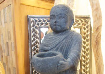 Shaolin Debout Salut, pierre reconstituée, 60cm