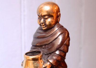Moine Shaolin et sa jarre, Bronze, 18 cm de haut