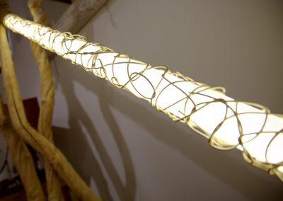 Lampe Tube Rattan Gila, détail