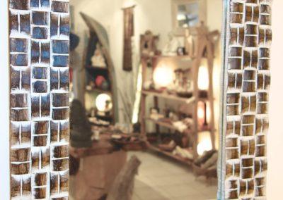 Miroir Roof, bois de Durian, existe en 50x60, 60x80 et 100x70