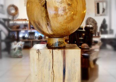 Boule Déco et son support, 45 cm de diamètre, bois de Tamarin