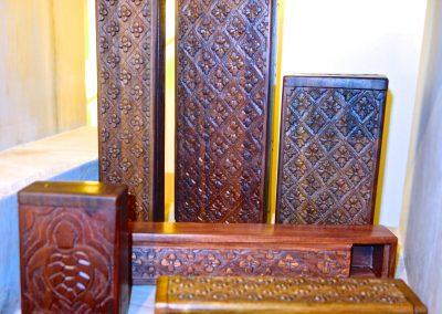 Ensemble Boites sculptées main, Ebène de Makassar, différentes tailles, Java