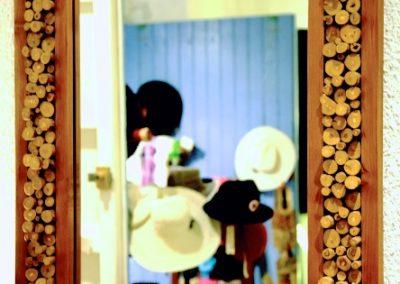 Miroir Kopi, 100x70, bois de Teck et bûchettes de caféier