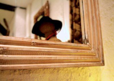 Miroir Modern, 100x70, bois de Durian, détail