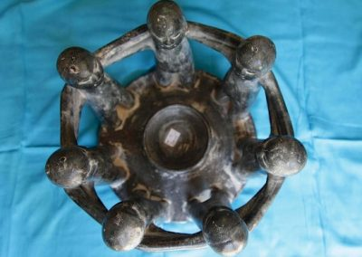Ronde humaine, Terracota gris antik 40 cm