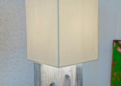 Lampe Cross, bois de Teck