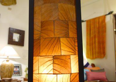 Lampe Pillar L 1 case  abat jour feuilles de tabac