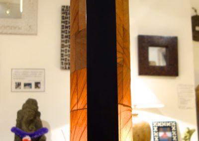 Lampe Pillar L, 1 case détail abat jour feuilles de tabac