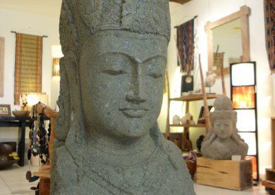 Buste de Shiva, Pierre volcanique, 130 cm