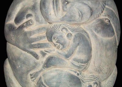 La femme maternante, pierre reconstituée, 30 cm