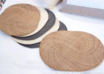 Set de table, feuilles de palme tressées