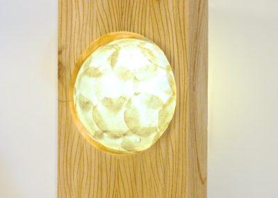 Lampe KAYU, bois de suar et nacre, 50 cm de haut